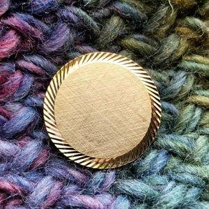 Vintage engravable circle brooch gold tone disc